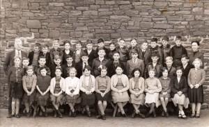 Llancaich_Junior_School_-_Standard_V_1955-1956 edit