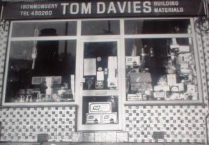 tom 1990