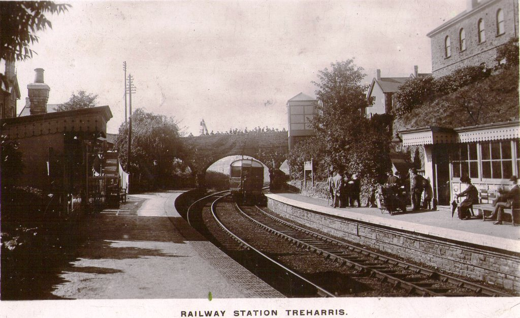 treharris_railway_station_1913